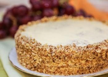 Banānu – riekstu kūka ar iebiezināto pienu