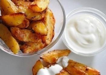 Kartupeļi sojas mērcē
