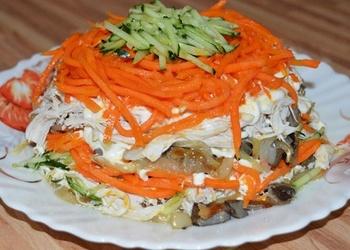 Sēņu salāti ar Korejas burkāniem