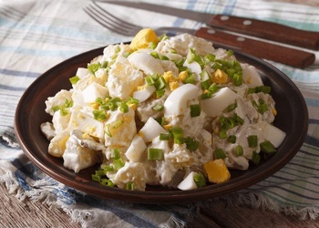 Kartupeļu salāti - trīs gardas, viegli pagatavojamas receptes