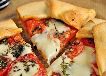 Galete ar tomātiem, Mocarellas sieru un timiānu lauku gaumē
