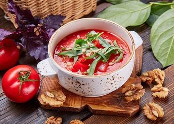Aukstā tomātu zupa