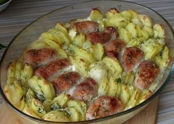 Gaļas ruletes ar kartupeļiem un saldo krējumu