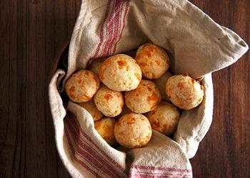 Brazīliešu maizes bulciņas ar sieru