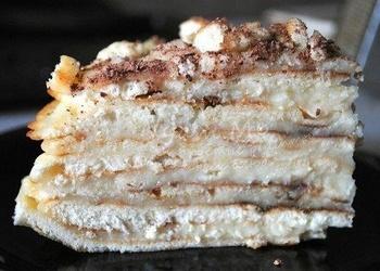 Cepeškrāsnī neceptā biskvīta kūka ar krēmu