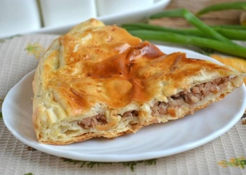 Pīrāgs ar malto gaļu un kartupeļiem