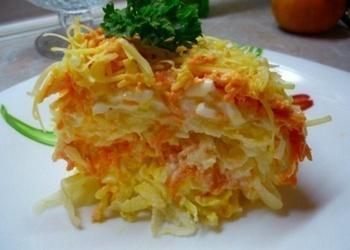 Dārzeņu salāti ar sieru franču gaumē