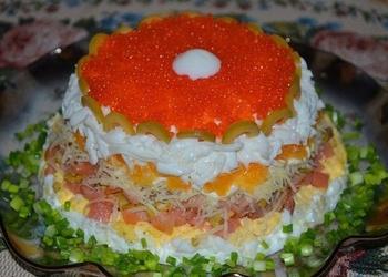 Siļķu salāti ar apelsīniem, olīvām un sieru
