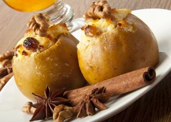 Pildīti āboli ar biezpienu