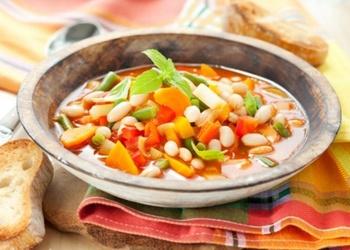 Biezā dārzeņu zupa ar pupām