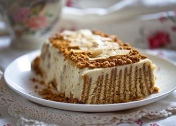 """Selgas"" cepumu torte ar augļiem"