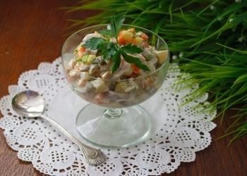 Sēņu un dārzeņu salāti