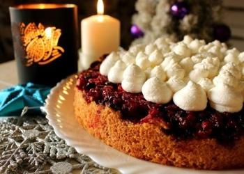 Brūkleņu-putukrējuma torte