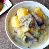 Rudens gardums - Sēņu mērce ar vārītiem kartupeļiem