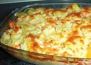 Kartupeļu sacepums ar sieru un sīpoliem