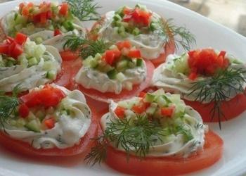 Закуска из томатов с творогом