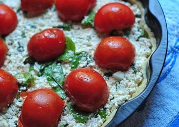 Творог с томатами