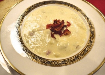 Piena zupa ar rīvētiem kartupeļiem