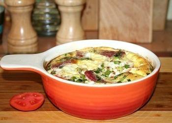 Omlete ar tomātiem, Salami desu un lociņiem