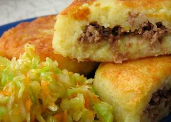 Kartupeļu pīrāgi ar gaļu
