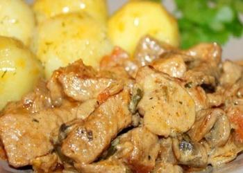 Speķa vai gaļas sautējums ar sēnēm