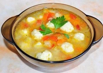 Dārzeņu zupa ar siera klimpām