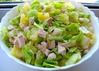 Pavasara salāti ar vistas krūtiņu