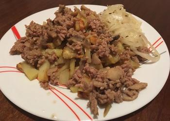 Cepti kartupeļi ar malto gaļu