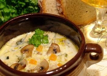 Vistas zupa ar šampinjoniem un sieru
