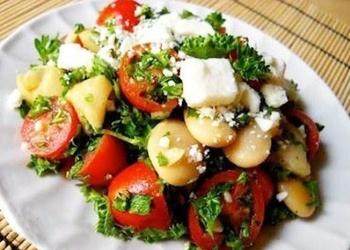 Siltie sēņu salāti ar tomātiem