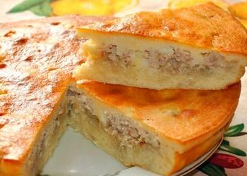 Kāpostu un maltās gaļas pīrāgs