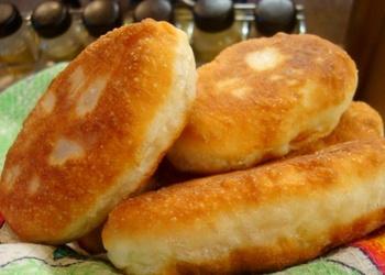 Rauga mīklas pīrādziņi ar kartupeļiem