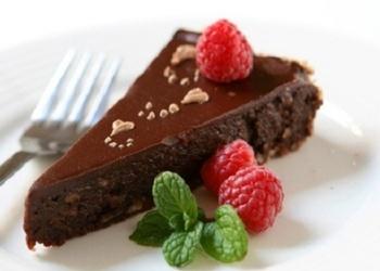 5 minūšu šokolādes – riekstu kūka