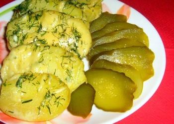Kartupeļi siera mērcē ar garšvielām