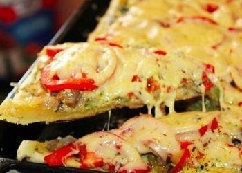 Pica ar dārzeņiem un sieru