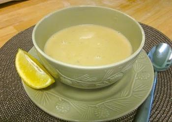 Citronu zupa grieķu gaumē