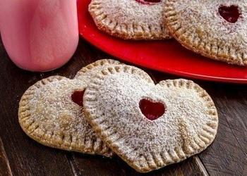 Valentīndienas pīrādziņi ar zemenēm