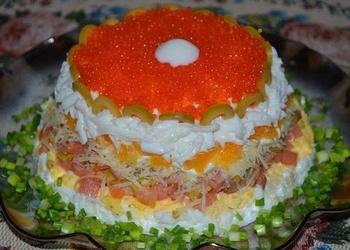 Laša salāti ar apelsīniem, olīvām un olām