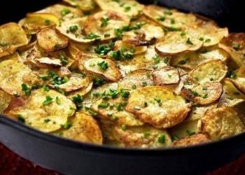 Jaunie kartupeļi ungāru gaumē