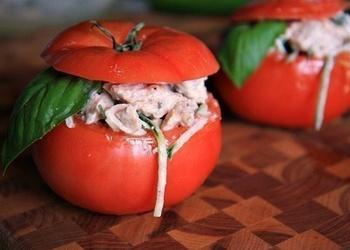 Vistas gaļas salāti tomātos