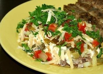 Gardie liellopu gaļas salāti