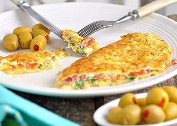 Omlete grieķu gaumē