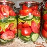 Gurķu, tomātu un sīpolu salāti (bez pasterizācijas)