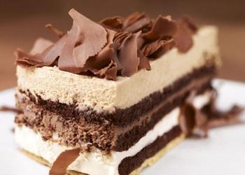 """Trīs veidu šokolādes kārtainā torte ar """"Nutella"""" krēmu"""