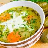 Картофельный суп с солеными огурцами