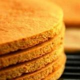 Medus biskvīti tortei
