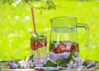 TOP 5 idejas karstākajai vasaras dārza ballītei