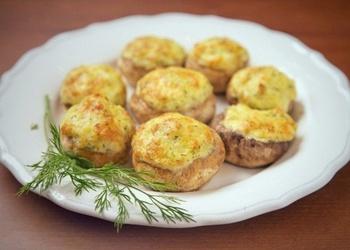 Pildīti šampinjoni ar kartupeļiem, sieru un ķiplokiem