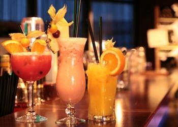 4 alkoholiskie kokteiļi ar greipfrūtiem