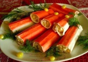 Крабовые палочки фаршированные кукурузой и сыром